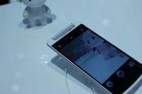 Biały smartfon